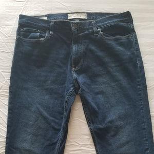 HOLLISTER - Slim Straight Epic Flex Jeans  W34 L34